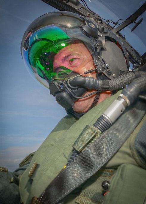 Шлемы летчиков-истребителей оборудовали системой ночного видения