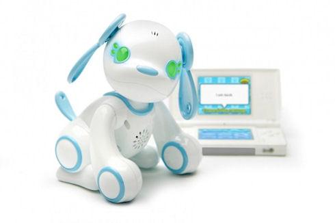 Робот Poochi предлагает сыграть в «камень-ножницы-бумага»