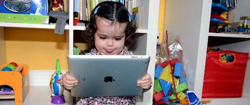 В Великобритании планшеты стали игрушками для детей