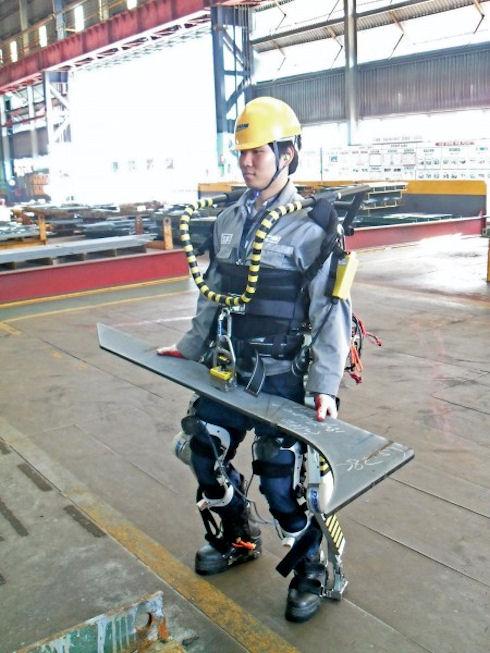 Экзоскелеты Daewoo обеспечат подъем тяжестей с «фантастической» легкостью