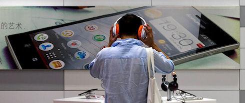 Смартофны Lenovo стали популярнее ее компьютеров