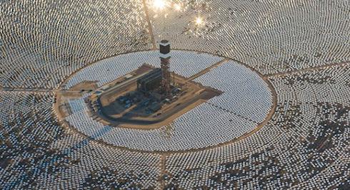 Гигантская солнечная электростанция «Айванпа» убивает тысячи птиц