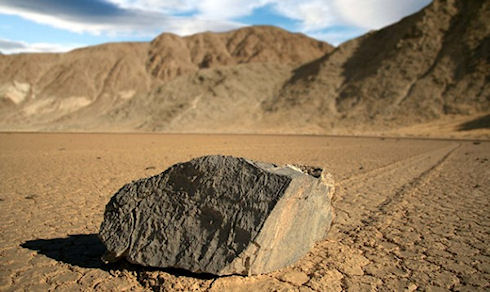 Движение камней в Долине Смерти объяснили с помощью высоких технологий