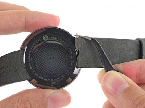 iFixit поставили тройку за ремонт Motorola Moto 360