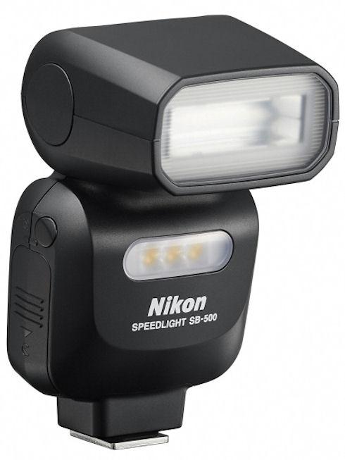Nikon выпустит компактную вспышку и новый светосильный объектив