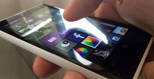 Microsoft предлагает экономить аккумулятор смартфона затемнением «мертвых» зон дисплея