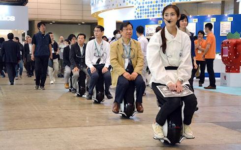 Honda усовершенствовала робо-стул UNI-CUB