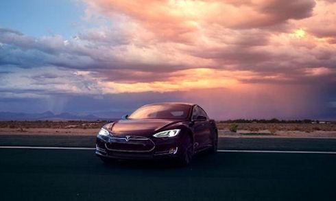 Озвучена цена электромобиля Tesla Model S P85D