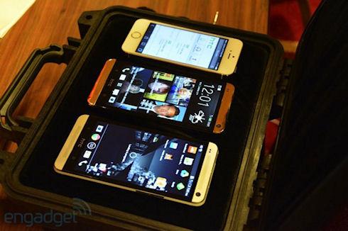 HTC One в «золотом»: царапины и потертости в комплекте?