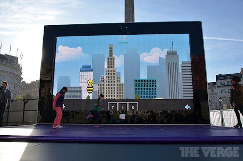 Планшет Surface 2 с 383-дюймовым дисплеем установлен в Лондоне