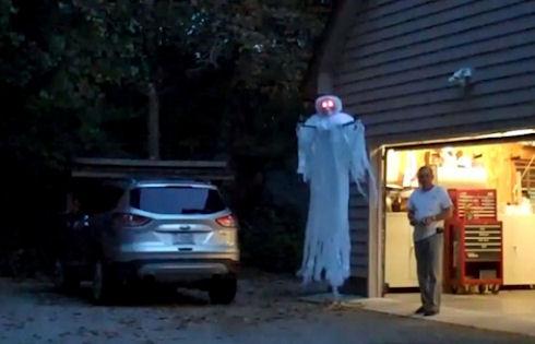 Квадрокоптер станет призраком на Хэллоуин