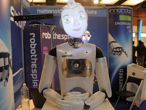 SociBot и SociBot mini – многофункциональные роботы для общения