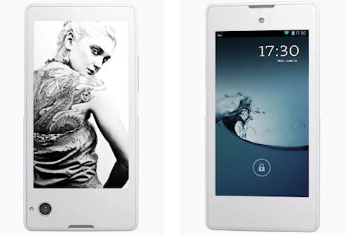 Российский смартфон YotaPhone поступит в продажу в декабре