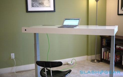 Stir Kinetic Desk – многофункциональный рабочий стол