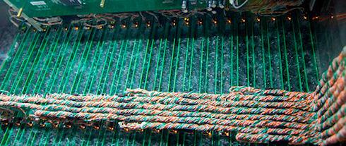 Промышленная ферма ASICMiner по добыче биткоинов