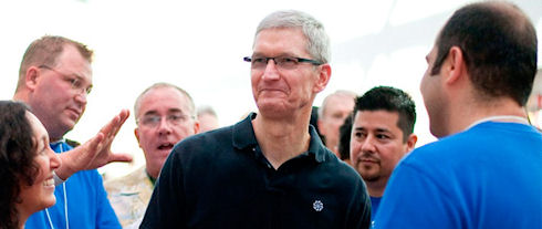 Тим Кук пообещал сюрпризы от Apple в 2014 году