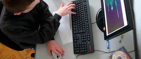 Средняя зарплата российских программистов составила 2600 долларов
