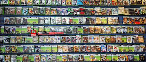 Почтальон продавал видеоигры из почтовых посылок