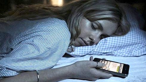 Смартфоны вредны перед сном