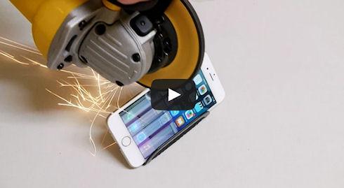Американец подверг iPhone 6 испытанию «болгаркой» (видео)