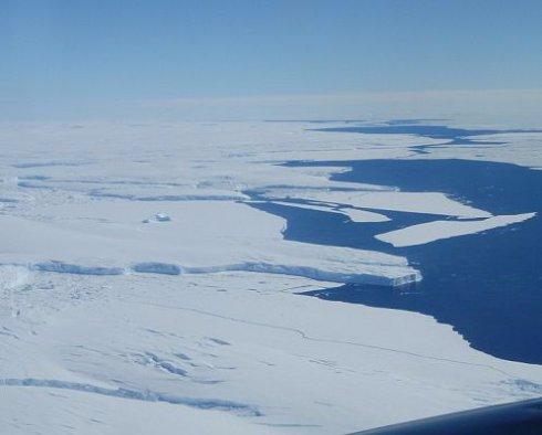 Американские ученые бьют тревогу в связи с таянием крупнейшего ледника
