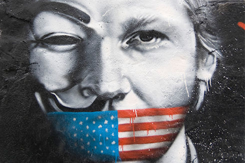 Anonymous больше не дружат с WikiLeaks