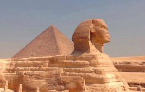 Археолог нашел тайный ход к пирамиде Хеопса