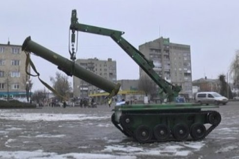 Бойцы АТО получили на вооружение уникальную машину-робота (ВИДЕО)