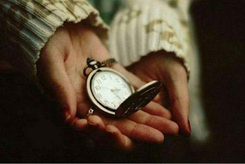 Часы в подарок: можно ли дарить часы?