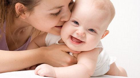 Что поможет молодой маме общаться, учиться и работать дома?
