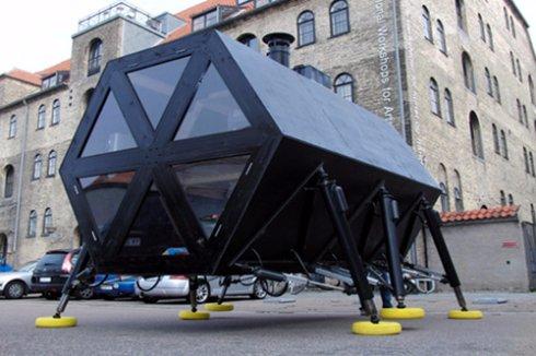 Данчане сконструировали «ходячий» дом