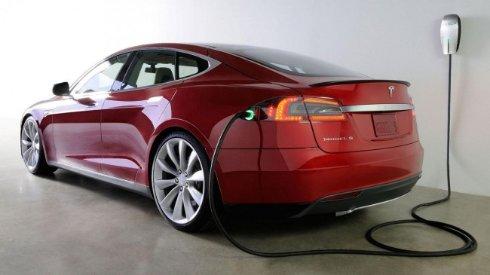 Электромобили от Tesla обзаведутся роботизированной зарядкой