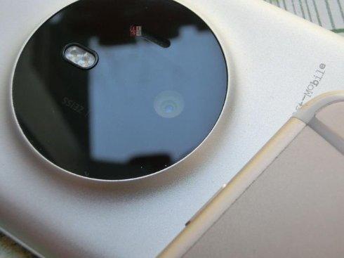 CNBeta выложил в Сеть сравнительные фото iPhone 6 и Nokia McLaren