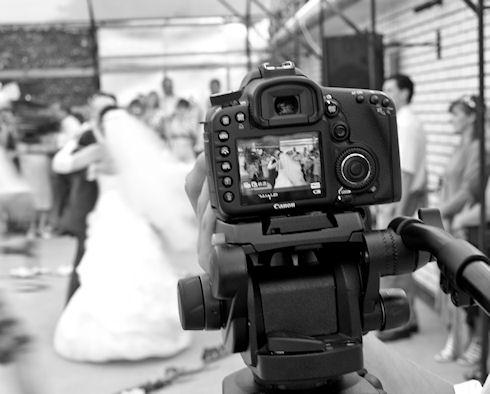 Фотограф на свадьбу: блеск и красота влюбленных супругов