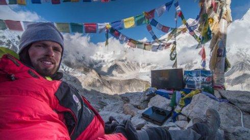 Геймер установил рекорд на горе Эверест