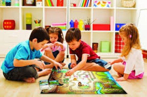 Играйте с детьми в настольные игры