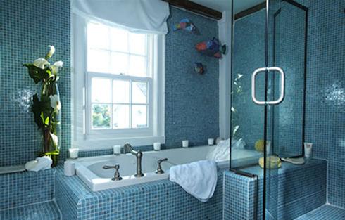 Интерьер ванной в синем цвете
