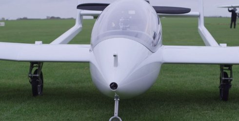 Инженеры испытали гибридный самолёт