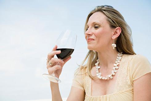 Какова калорийность одного бокала алкоголя?