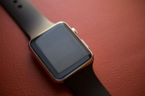Китайцы начали продажи клона американских Apple Watch
