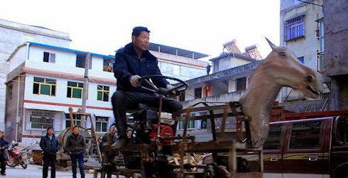 Китайский энтузиаст соорудил роботизированную лошадь (ВИДЕО)