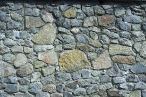 Кладка каменной стены