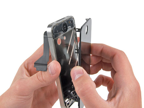 Когда замены стекла iphone не избежать