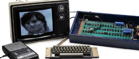Компьютер Apple 1, который собирал Джобс, ушёл с молотка за 365 тысяч долларов