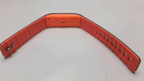 Lenovo презентовала умный браслет SW-B100
