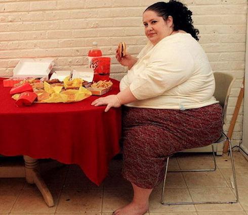 Люди с лишним весом получают меньше удовольствия от еды