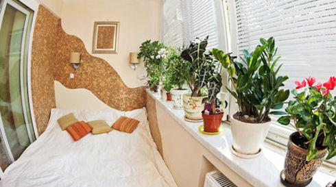Можно ли остеклить балкон в зимних условиях?