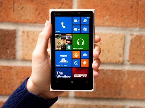 Nokia Lumia 920 – флагманская модель на Windows Phone 8
