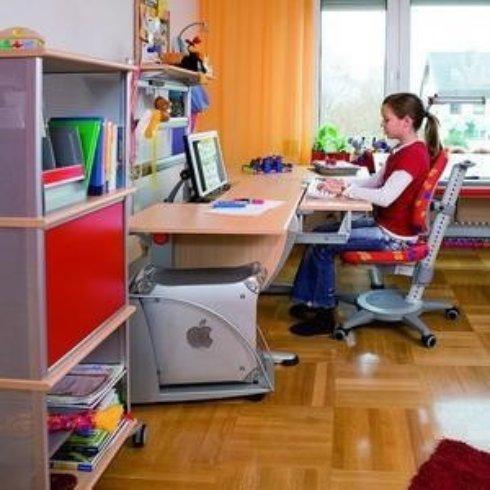 Особенности выбора компьютерного кресла школьнику