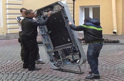 Признание Тима Кука привело к демонтированию памятника Стиву Джобсу в Санкт-Петербурге